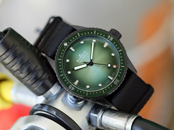 Bathyscaphe Mokarran Limited Edition: a special watch dedicated to protecting the great hammerhead shark